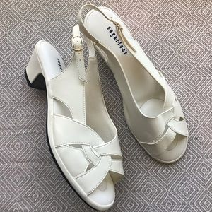 Sugarfoot | White Open Toe Low heel Sandal